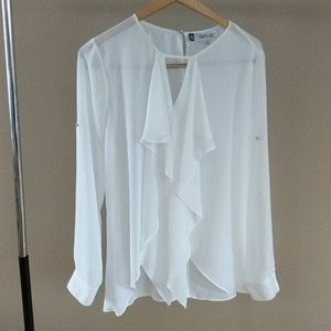 $5 with a bundle Jennifer Lopez White Flowy Top
